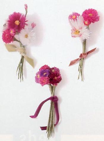 Yarn flowers.a