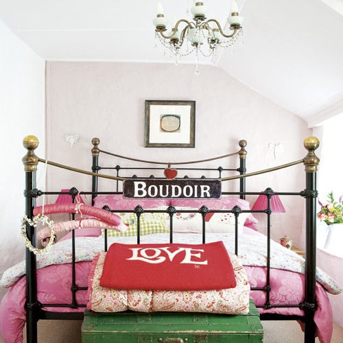 Www.housetohome.co.uk:bedroom:picture:pink-bedroom-2