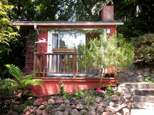 Tiny house.front