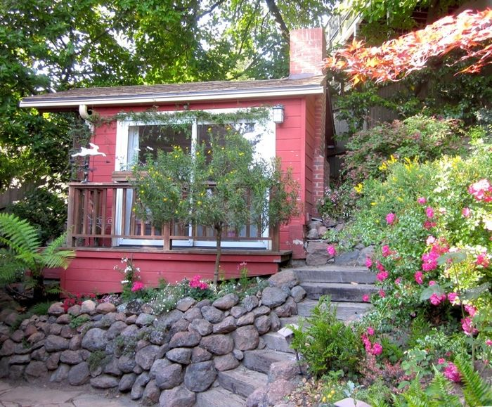 Tiny_house.front