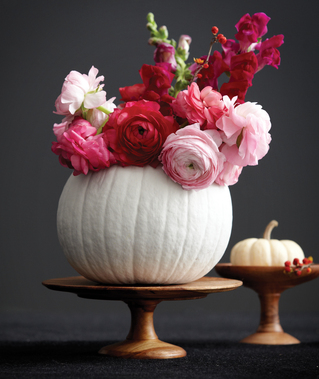 Www.chatelaine.com:en:photos:41454--pumpkin-decorating-four-stunning-centrepiece-ideas?&PageNumber=1